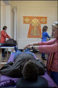 Atelier 'Le pouvoir bénéfique des mains et de la lumière - niveau 2' dirigé par Jan JANSSEN Centre LES SOURCES, rue Kelle 48, 1200 Bruxelles 26 et 27 avril 2014